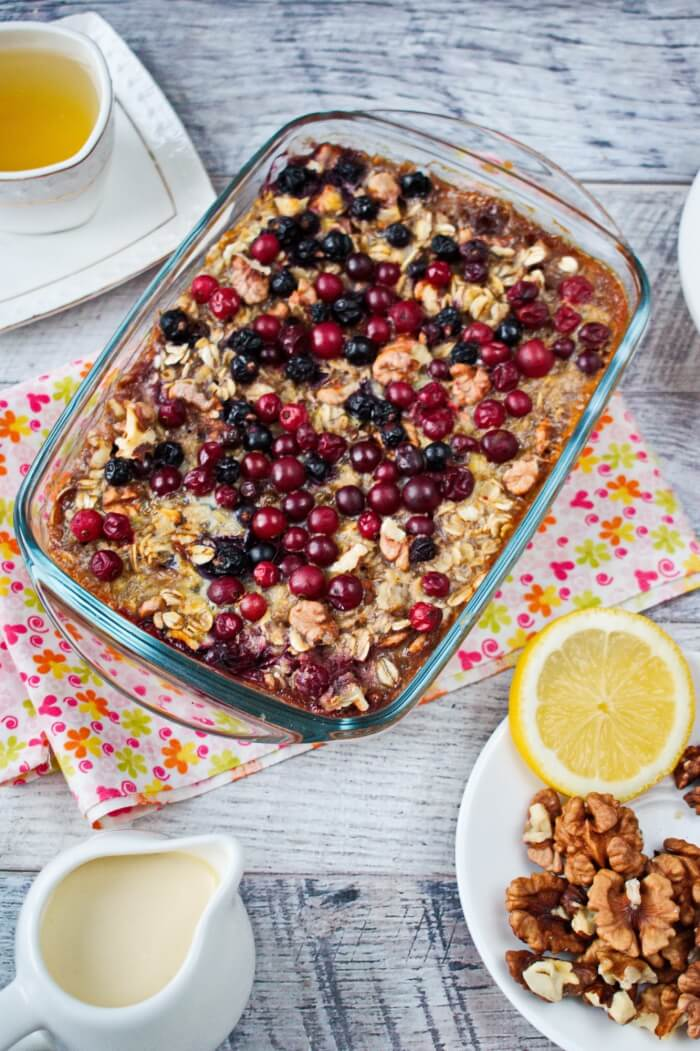 Baked Oatmeal with Bananas and Berries