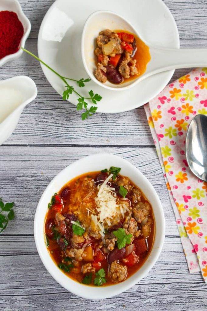 Beef Chili Recipe - Easy and Quick Beef Chili Recipes - Classic Easy Beef Chili Recipe
