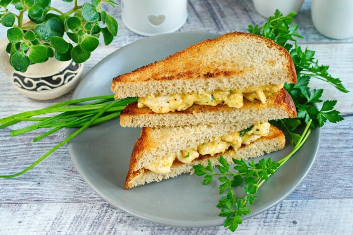 How to serve Chicken Sandwich with Mayo