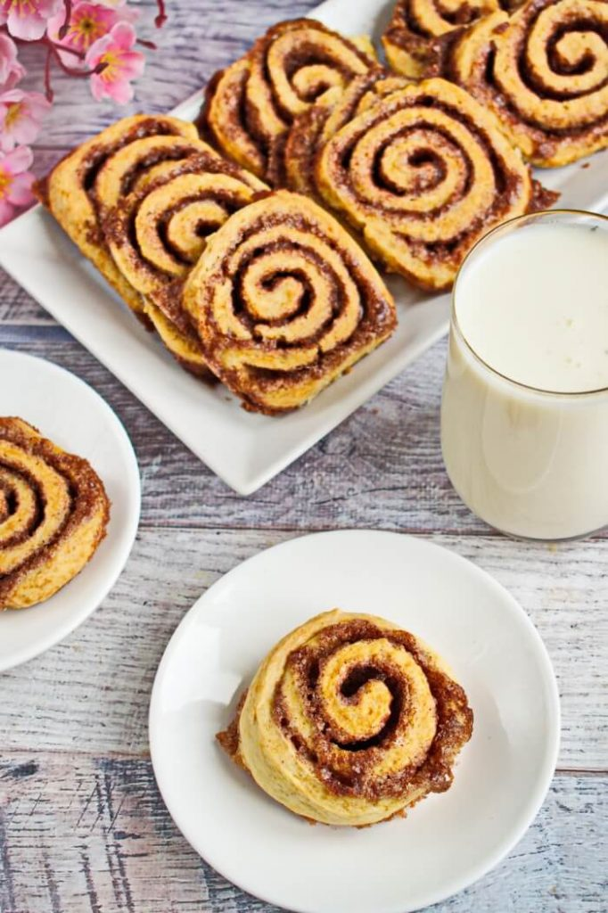 Cinnamon cookies with perfectly spread frosting to enjoy