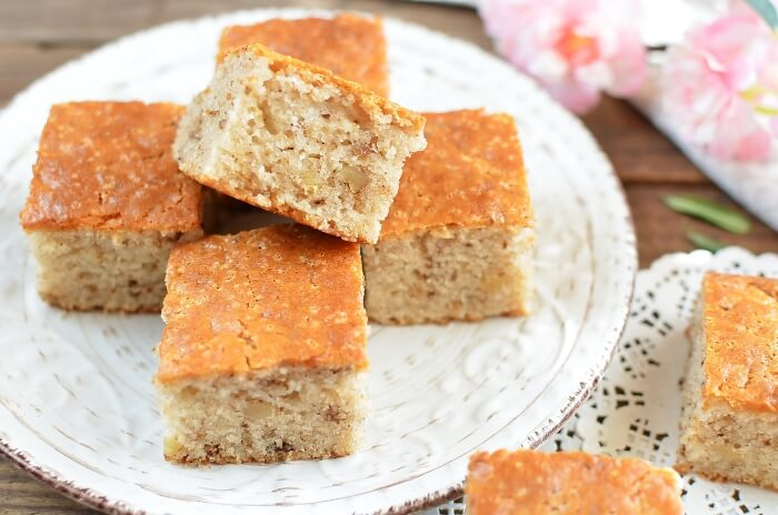 How to serve Cinnamon Sour Milk Cake