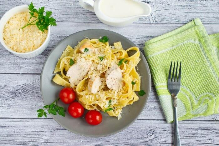 How to serve Classic Chicken Alfredo Pasta