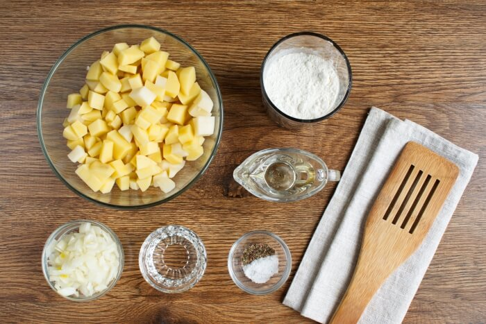 Ingridiens for Classic Smothered Potatoes