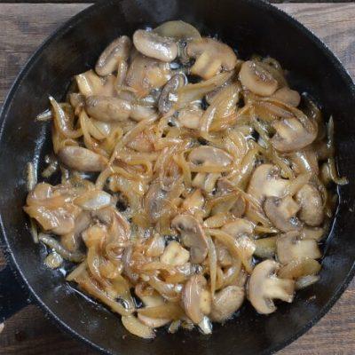 Classic Beef Stroganoff recipe - step 4