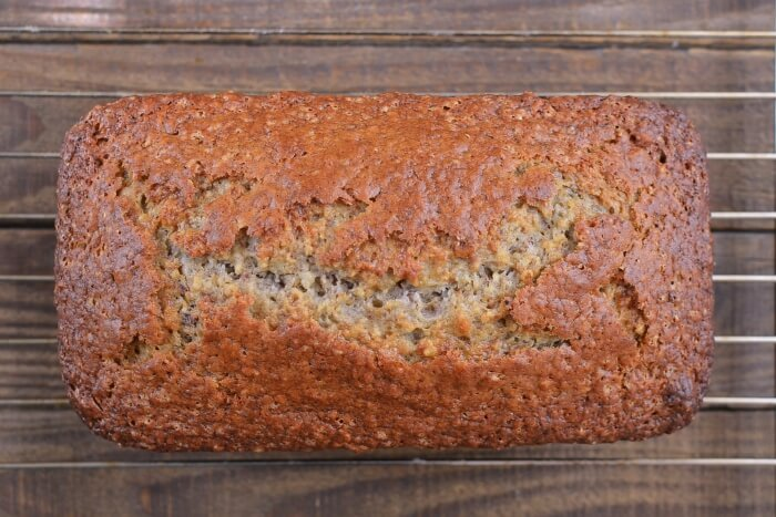Easy Banana Bread with Nuts recipe - step 4