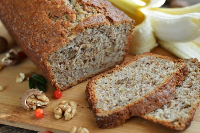 How to serve Easy Banana Bread with Nuts