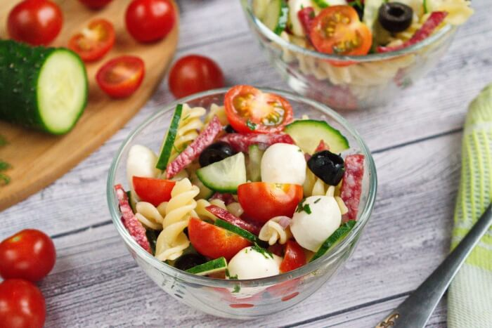 How to serve Easy Pasta Salad