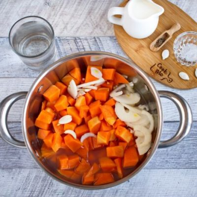 Easy Pumpkin Soup recipe - step 2