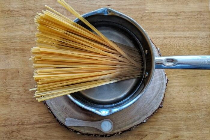 Easy Creamy Shrimp Pasta recipe - step 1