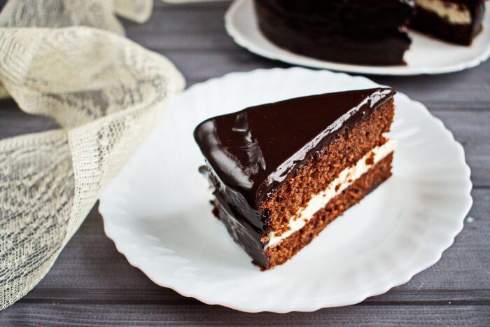 How to serve Easy Ho Ho Cake