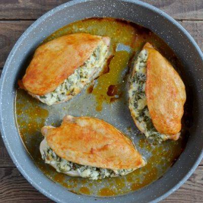 Keto Spinach Stuffed Chicken recipe - step 6