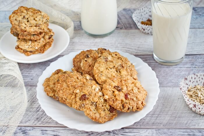 How to serve Oaty Raisin Cookies