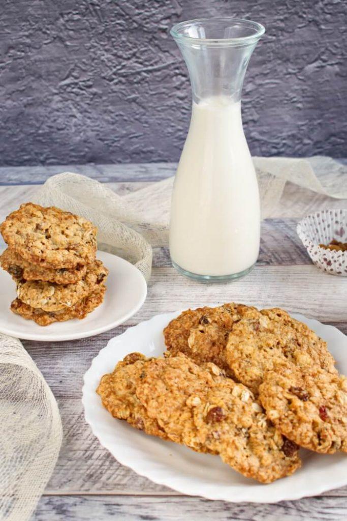 Oaty Raisin Cookies