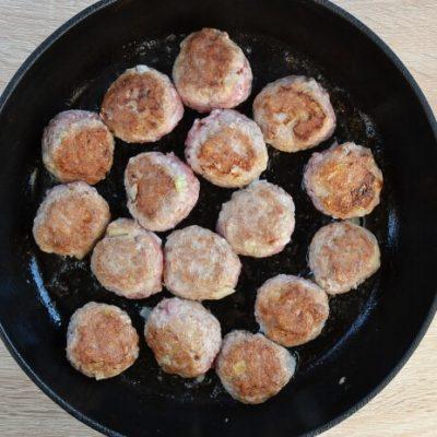 One-Pot Meatballs with Spaghetti recipe - step 2