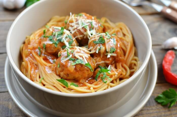 One-Pot Meatballs with Spaghetti Recipe - Quick and Tasty Dinner Ideas for Kids - One Pan Spaghetti Recipe