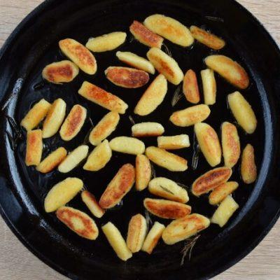 Pan-Fried Potato Gnocchi recipe - step 7