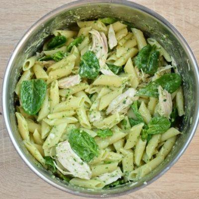 Creamy Chicken Pesto Pasta recipe - step 2