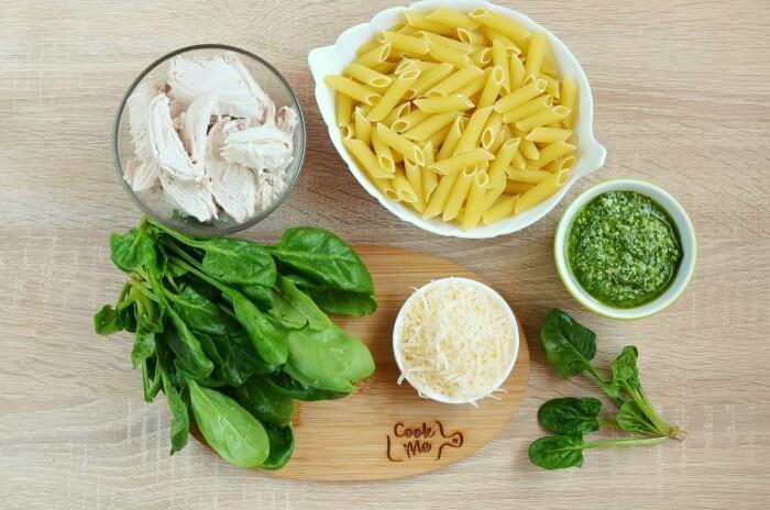 Ingridiens for Creamy Chicken Pesto Pasta