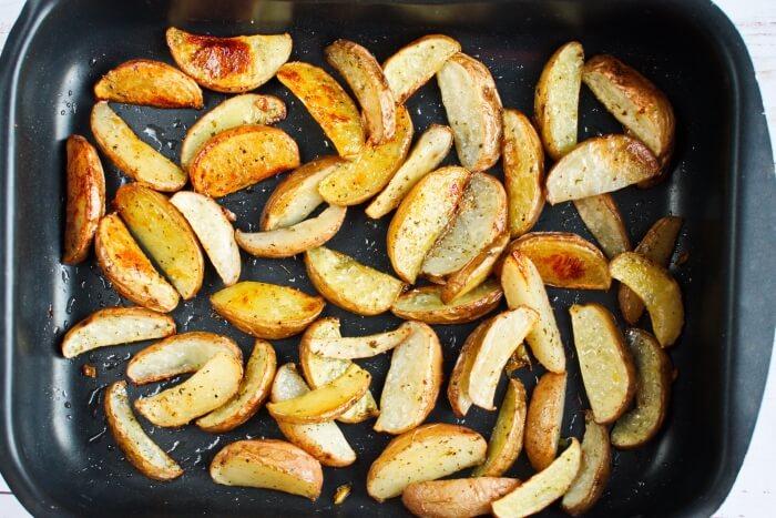 Greek Potato Wedges with Feta recipe - step 4