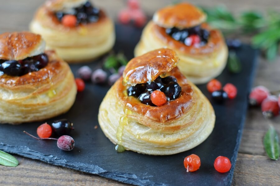 How to serve Easy Puff Pastry Cups