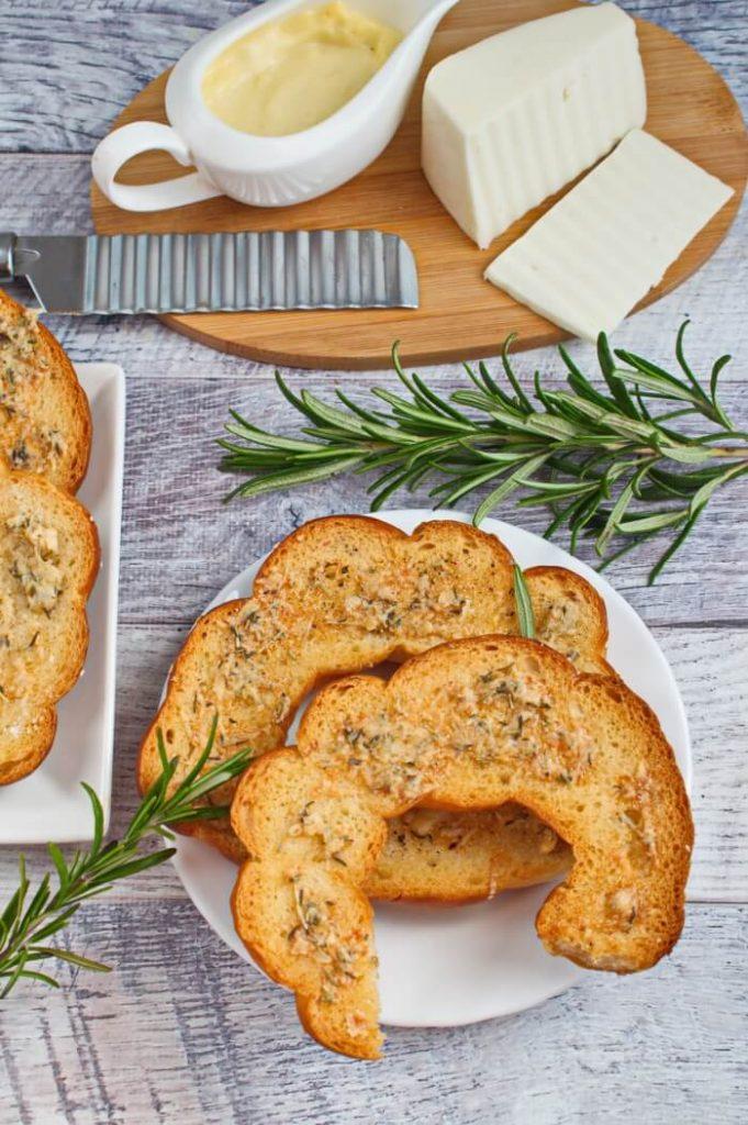 Fancy Bagel chips with Italian seasoning