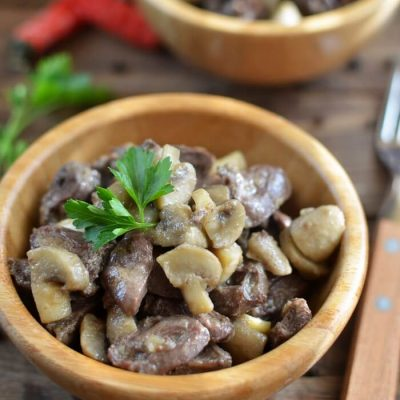Sauteed Chicken Hearts with Button Mushrooms Recipe - Country Style Recipes - Chicken Hearts Stew