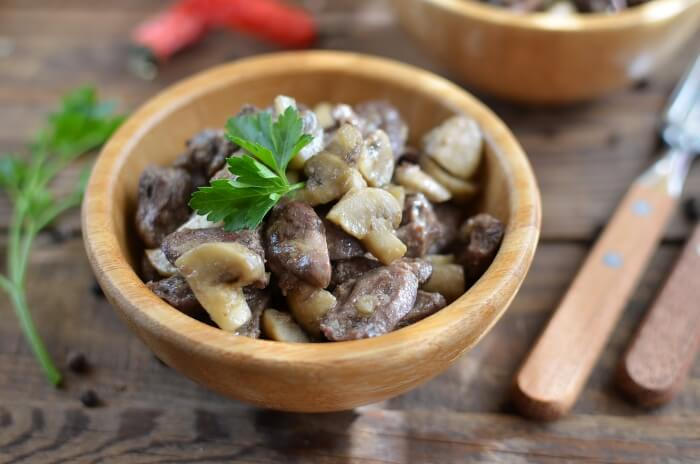 How to serve Sauteed Chicken Hearts with Mushrooms