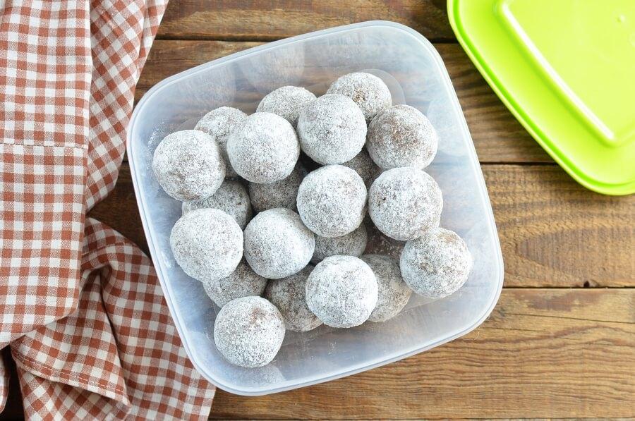 Cocoa and Nut Rum Balls recipe - step 5
