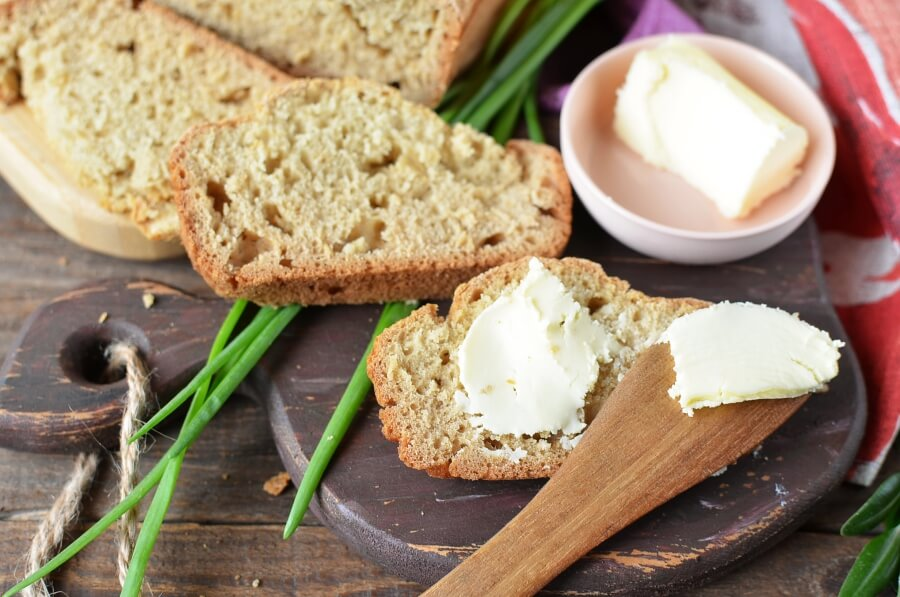 How to serve Colonial-Style Brown Bread