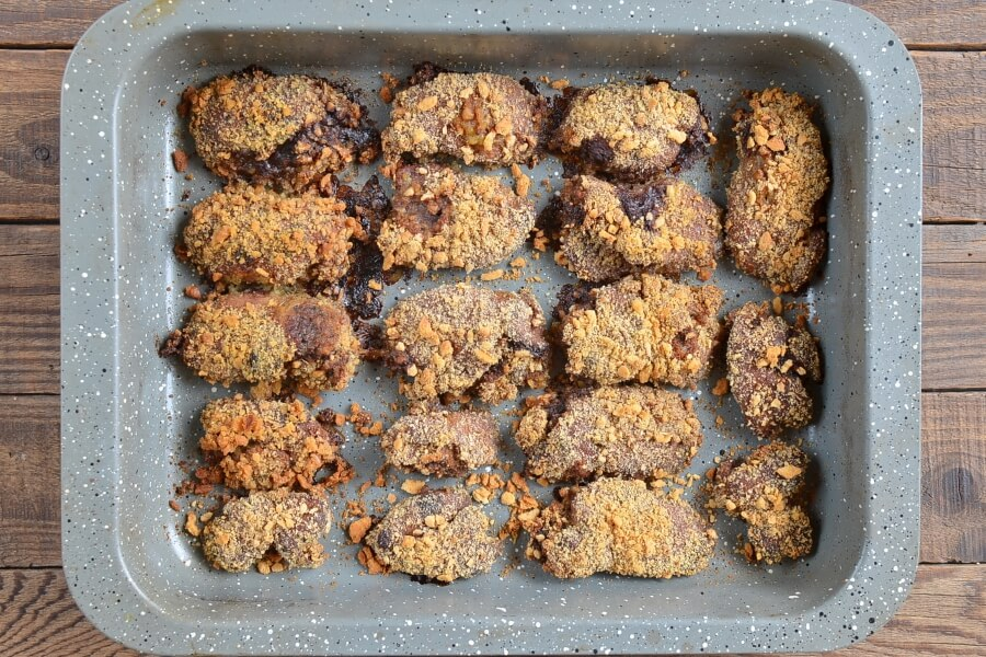 Crumbed Baked Chicken Livers recipe - step 4
