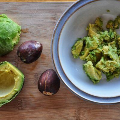 Easy Keto Guacamole with Avocado recipe - step 1