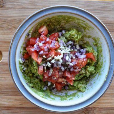 Easy Keto Guacamole with Avocado recipe - step 2