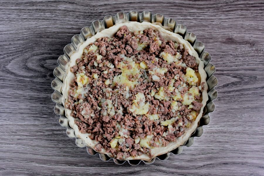 Meat and Onion Pie recipe - step 7