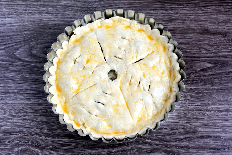 Meat and Onion Pie recipe - step 8