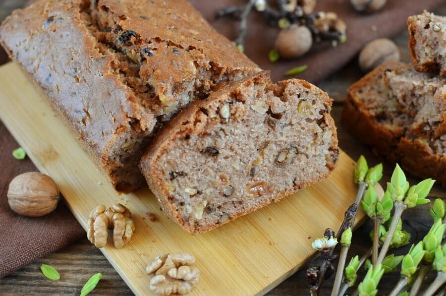 How to serve Raisin and Walnut Cake