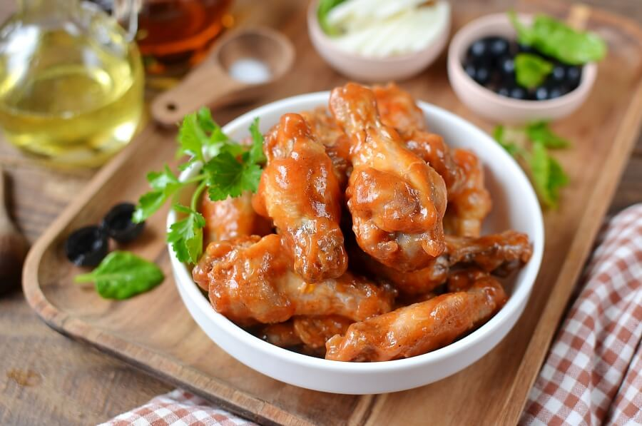 How to serve Spicy Buffalo Chicken Wings