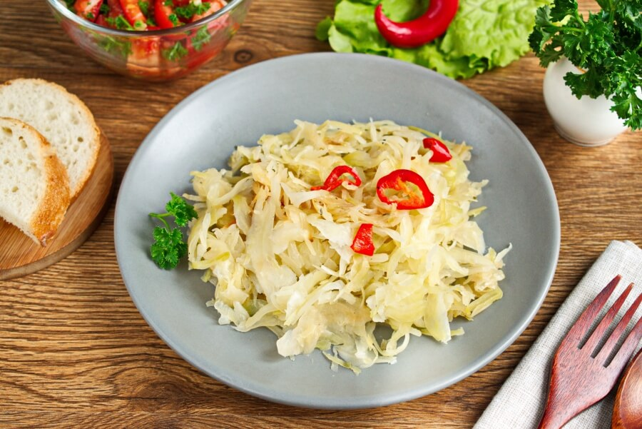How to serve Steamed Chili Cabbage