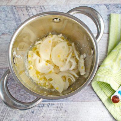Sweet Onion Soup recipe - step 1