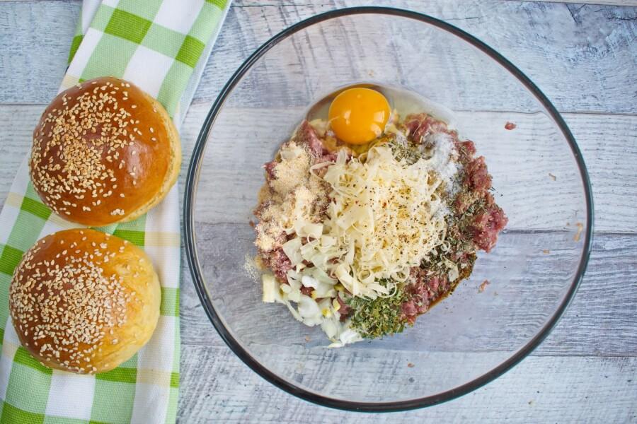 Easy Beef Burger recipe - step 2
