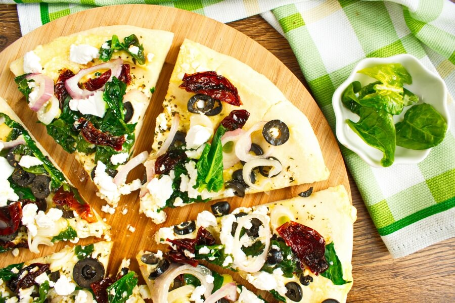 How to serve Spinach and Feta Pizza