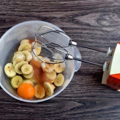 Easy Banana Muffins recipe - step 3