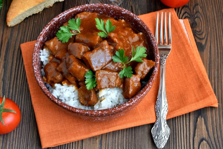 How to serve Low Carb Beef Paprika
