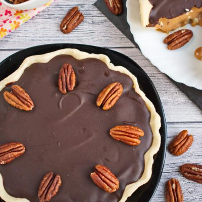 Caramel Turtle Pie-How to make Turtle Pie-Delicious Turtle Pie