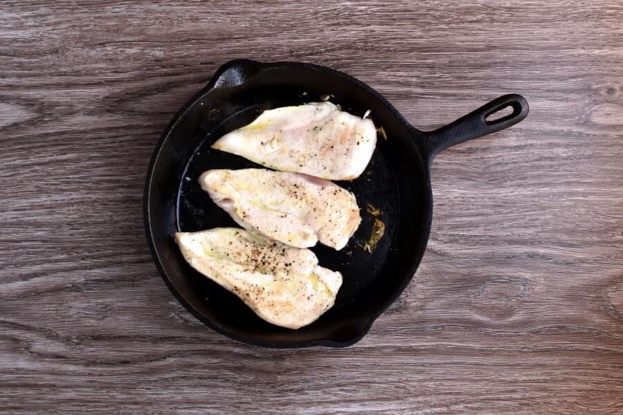 Easy Chicken Pizzaiola recipe - step 3