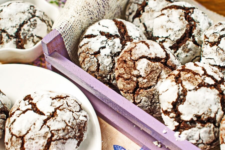 How to serve Easy Chocolate Crinkles