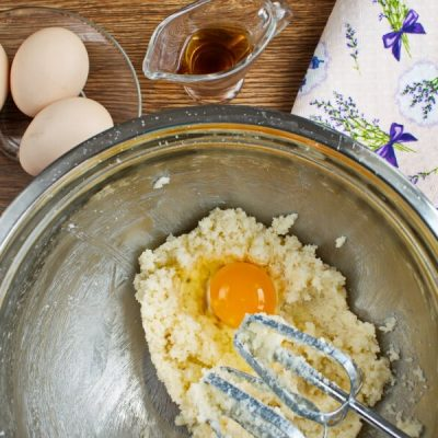 Easy Chocolate Crinkles recipe - step 2