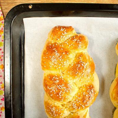 How to serve Choereg – Armenian Easter Bread