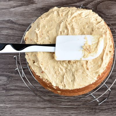 How to serve Cream Cheese Peanut Butter Frosting