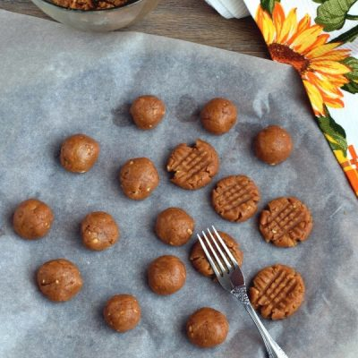 Easy Cake Mix Peanut Butter Cookies recipe - step 6