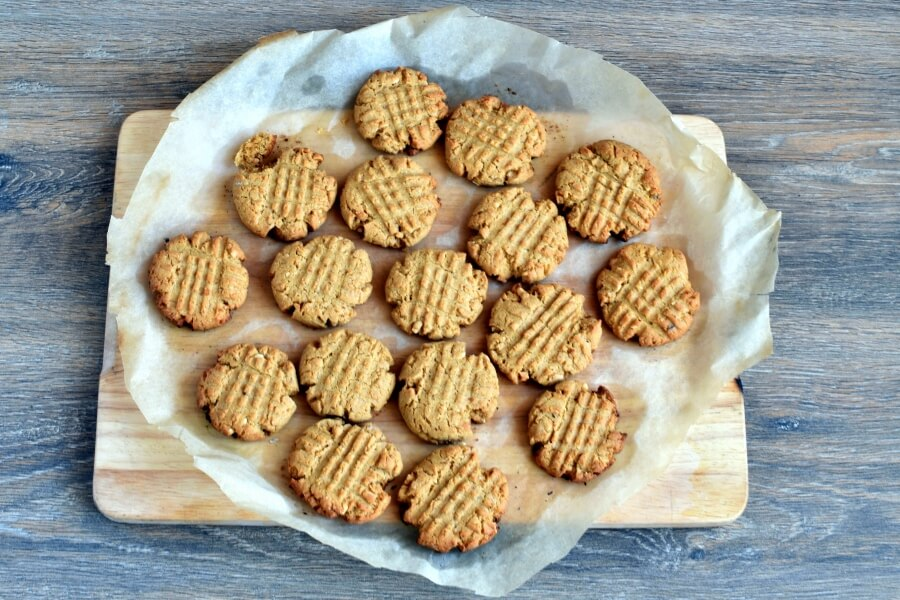 Easy Cake Mix Peanut Butter Cookies recipe - step 7